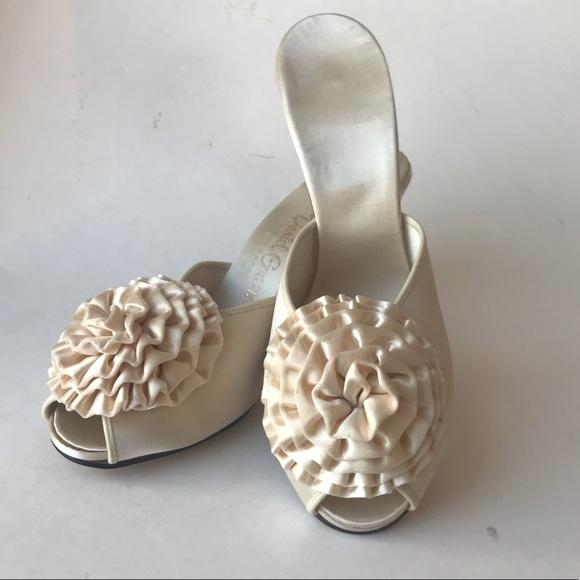 e7accf7f80732 1950s DANIEL GREEN Satin Slides Boudoir Shoes 7.5